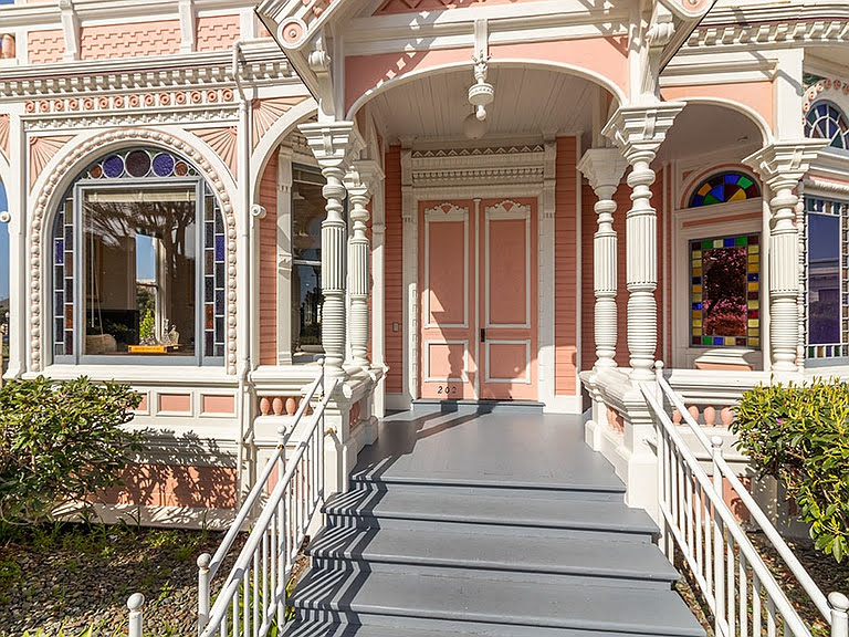 The Pink Lady entryway