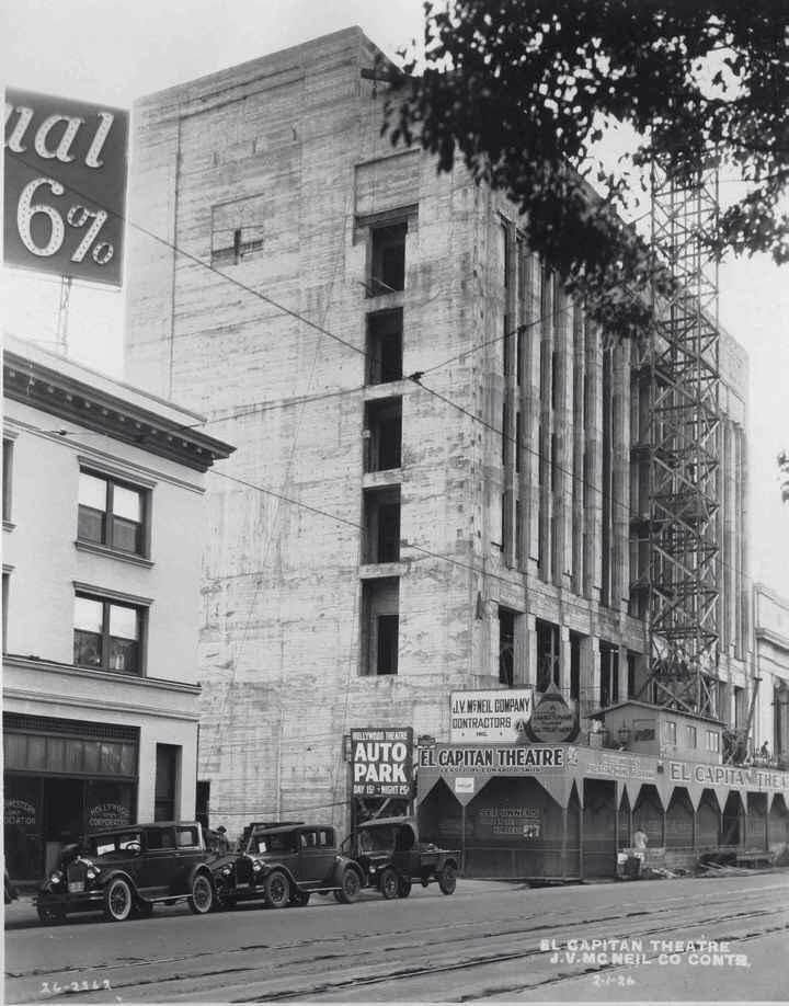 The El Capitan Theatre in process of being built
