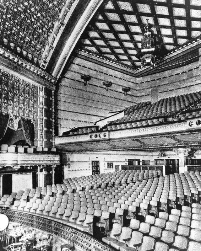 The auditorium of the El Capitan Theatre, 1926