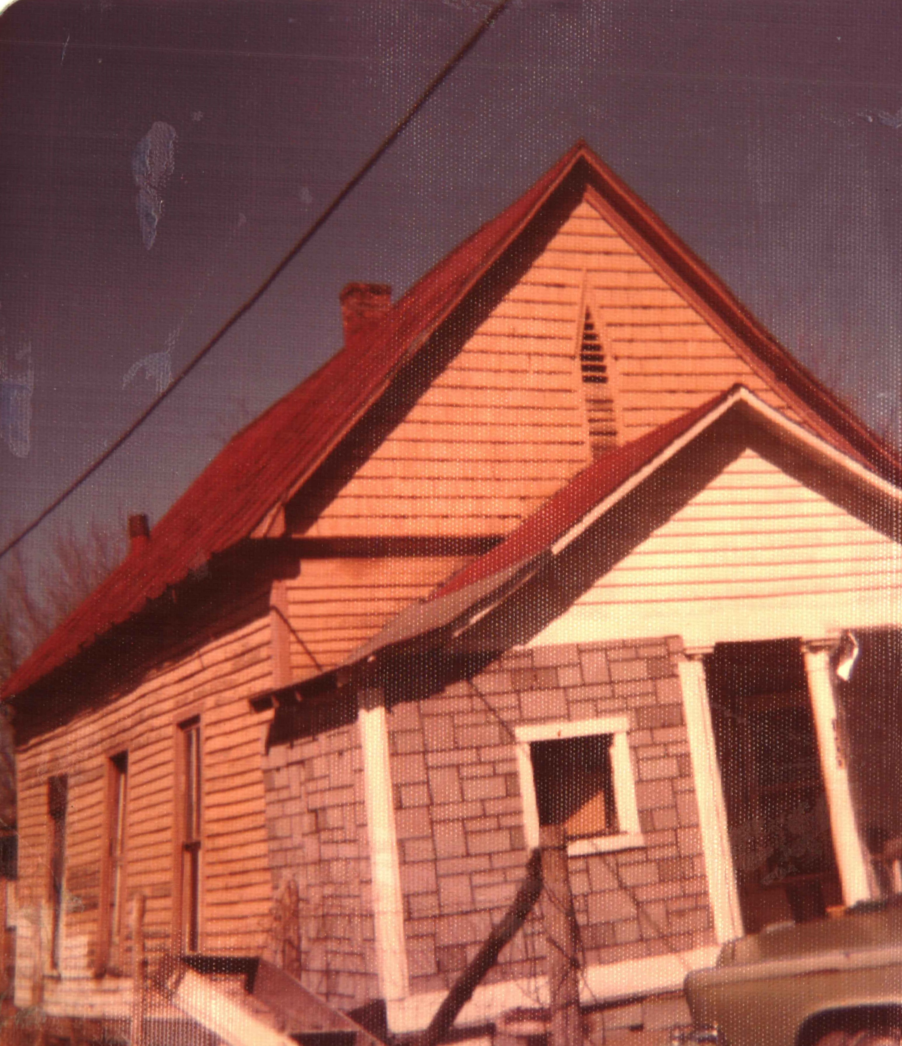 Another picture of the schoolhouse, with the porch enclosed, likely shortly before its destruction. Image courtesy of the Ceredo Historical Society Museum.