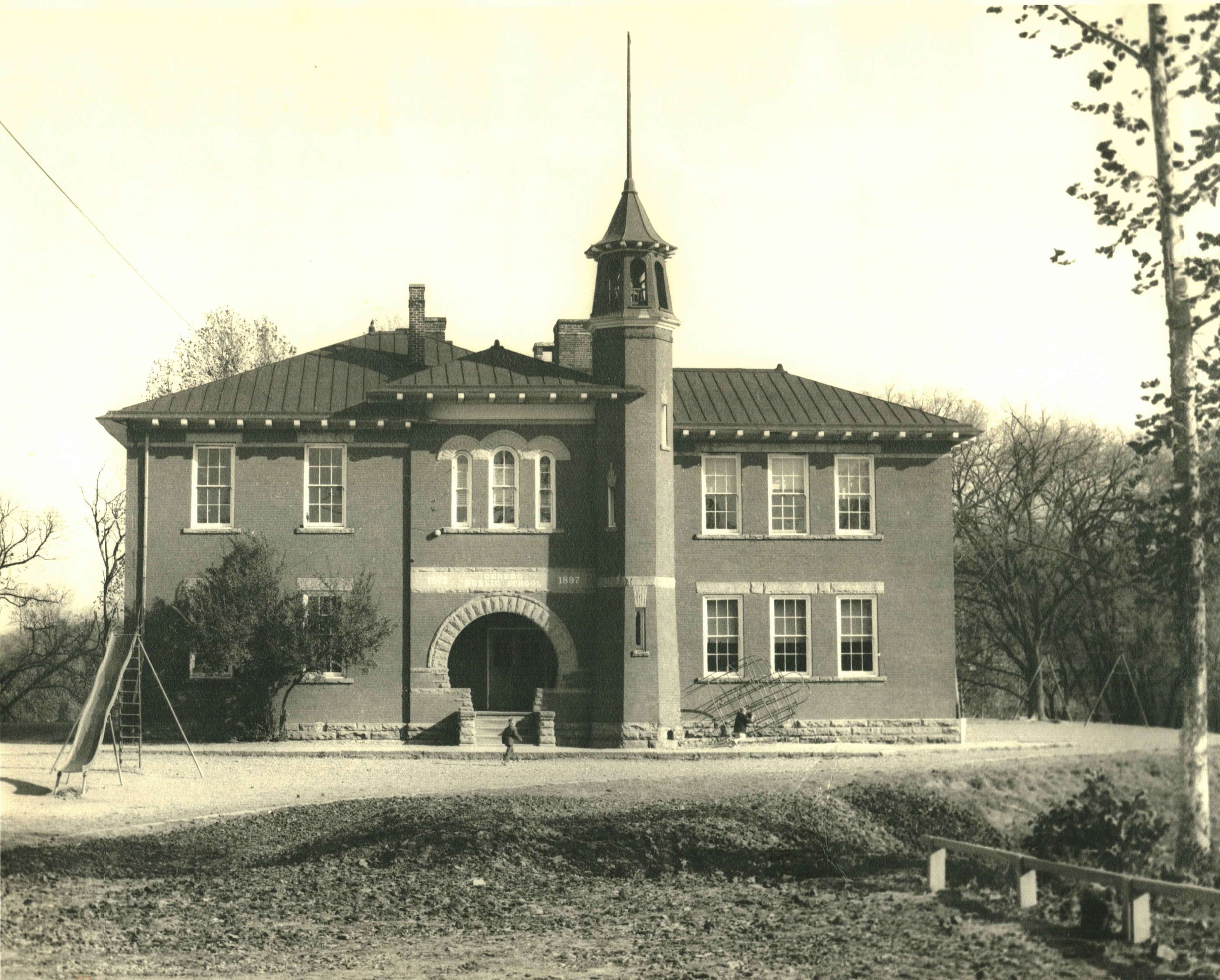 After the original school building burned in 1895, a new eight-room brick building was constructed in 1897. Image courtesy of the Ceredo Historical Society Museum.