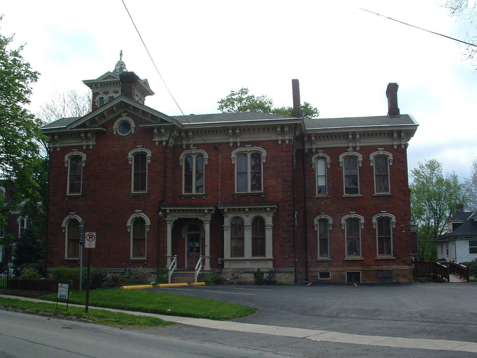 This side view of the house reveals its size and grandeur.