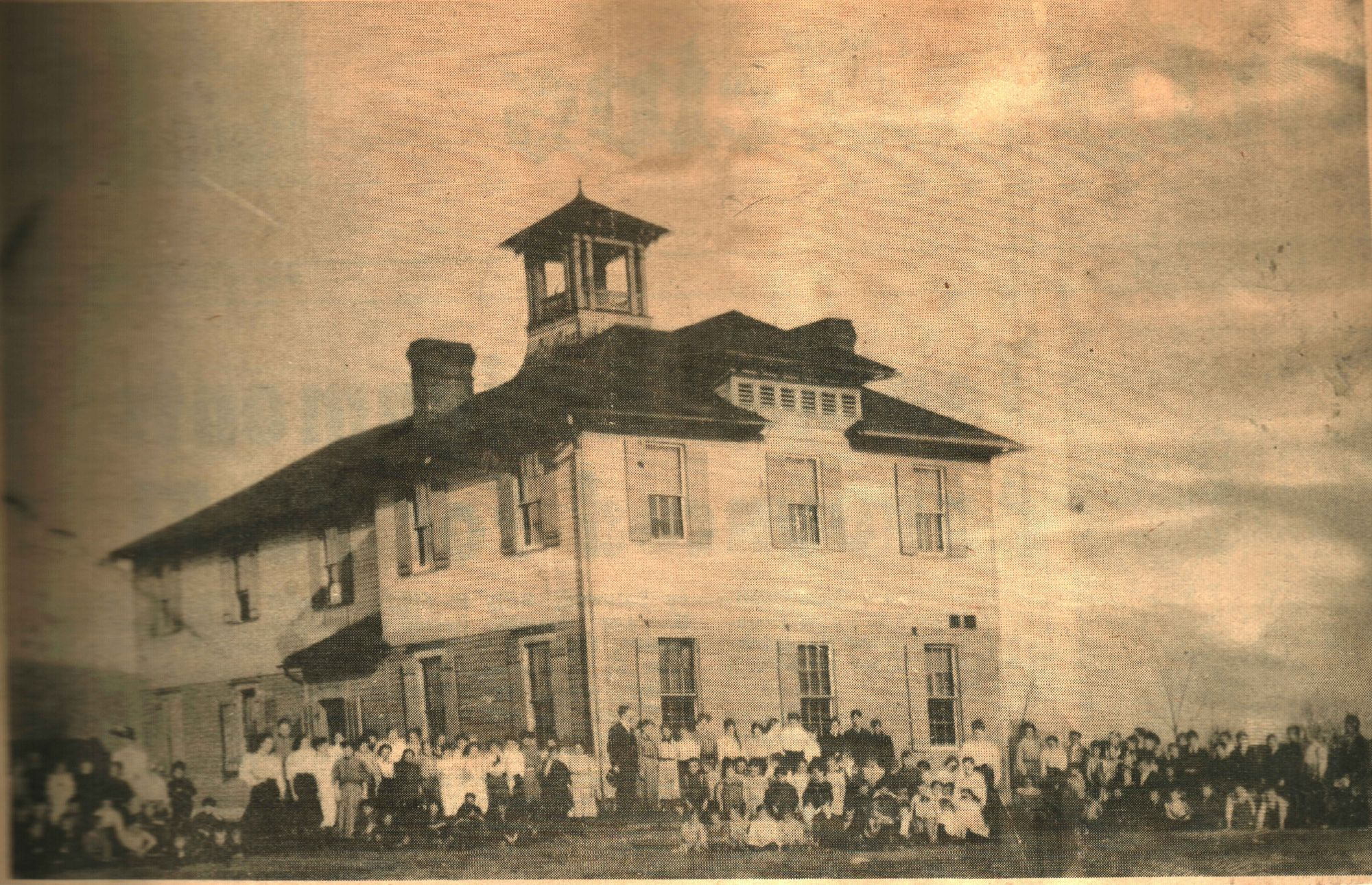 Kenova Elementary School was originally housed in this frame building on 11th and Poplar Streets. It burned down sometime between 1906 and 1910. Image courtesy of the Ceredo Historical Society Museum.