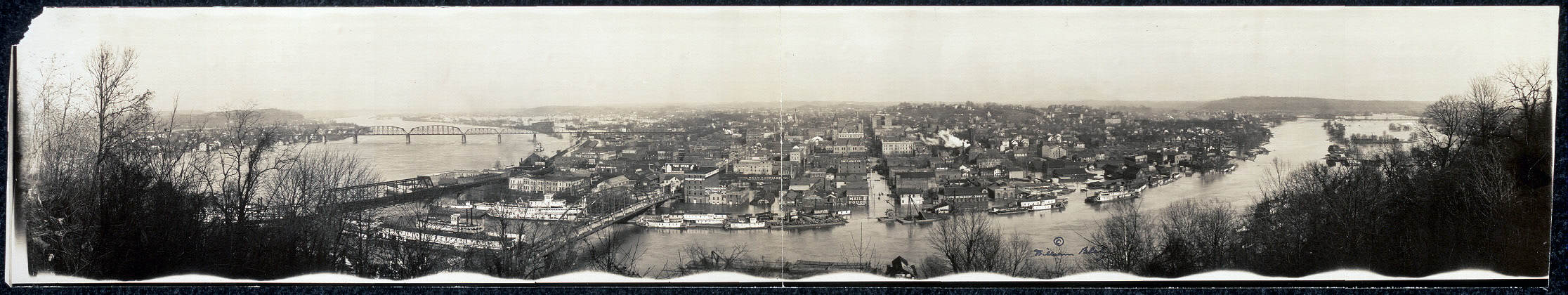 A panorama of the 1913 flood, which was included in a report of the same year by the U.S. Geological Survey (see links below). Library of Congress.