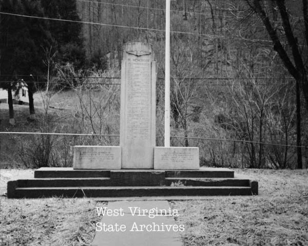 Monument to soldiers killed in plane crash near Premier, July 1, 1942. Geneva Steele Collection  October 7, 2018.