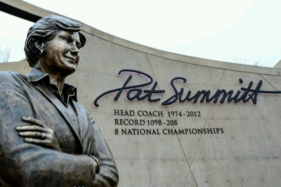 In November 2013, the University of Tennessee opened the Pat Summitt Plaza and Monument.