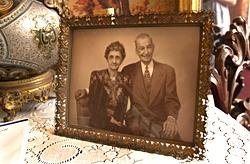 Photo of William and Luella Knott (http://www.museumoffloridahistory.com/about/sites/knott/about.cfm)