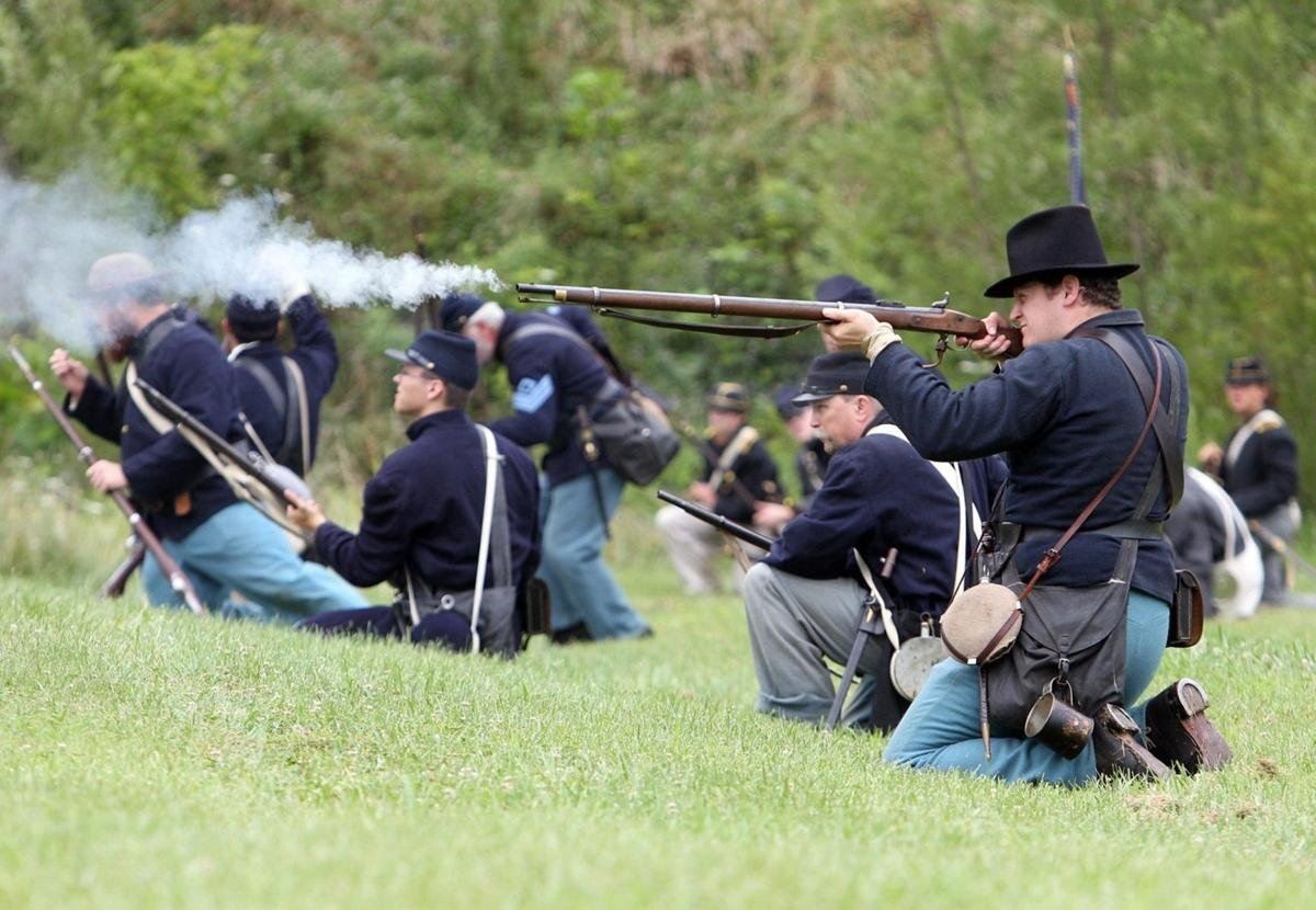 Picture of a reenactment of Union Soldiers at the battle of Barborsville.