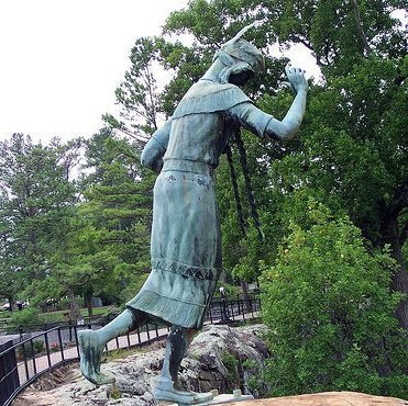 Side angle of the statue at Noccalula Falls