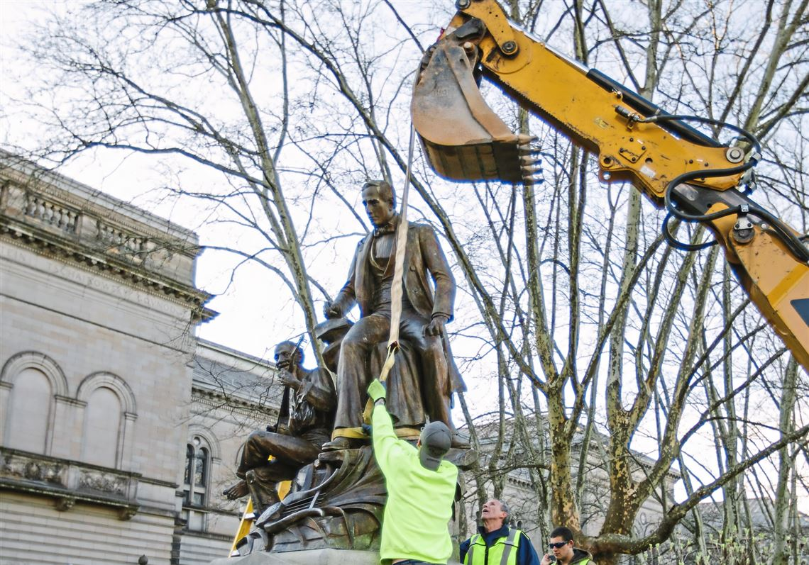 Removal of the statue by Pittsburgh workers