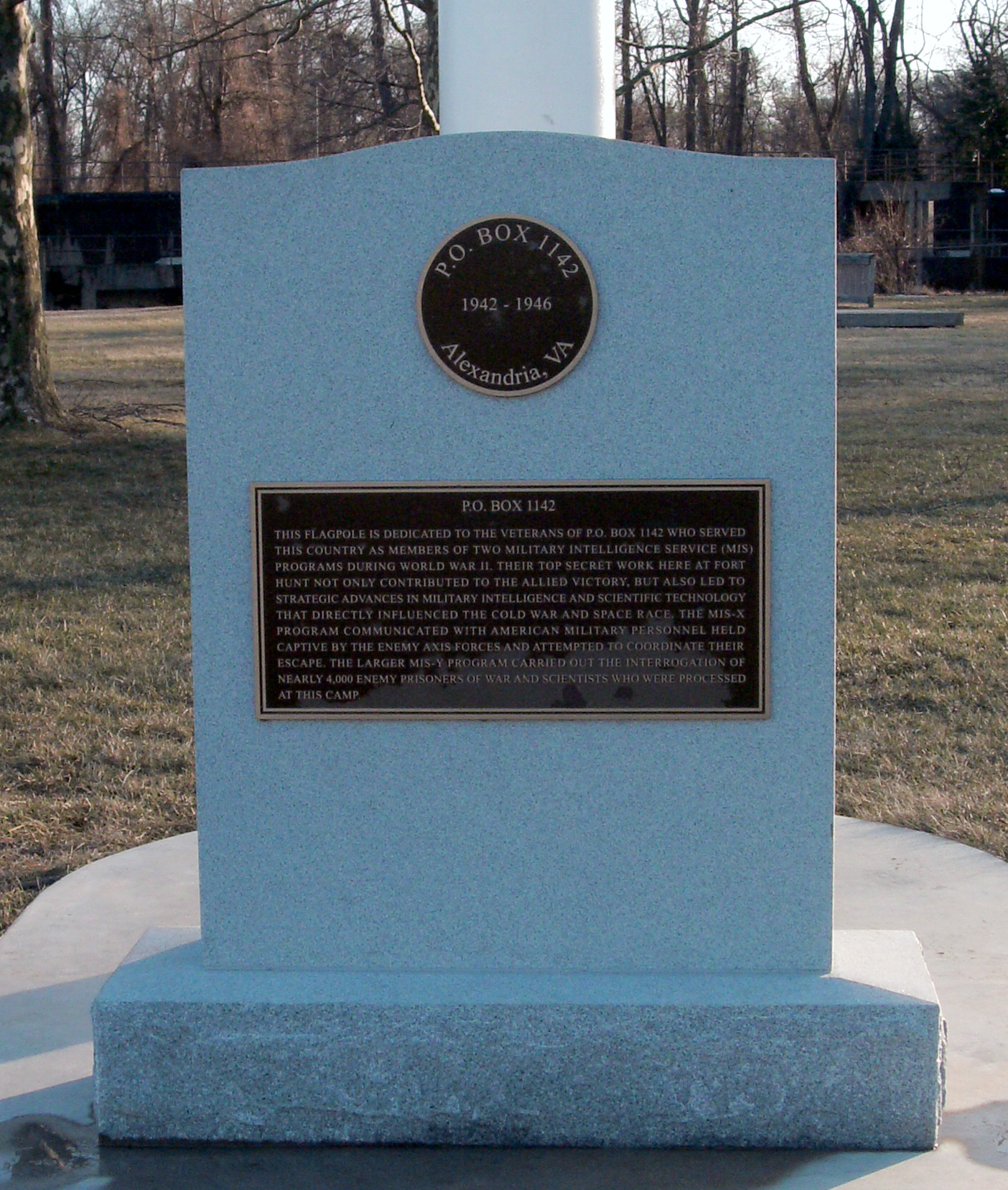 This marker is located next to the large flag in Fort Hunt Park