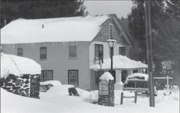 Using local materials, the aesthetic of the Sunshine Inn blends with the vegetation, similar to other buildings in Blowing Rock at the time. Photo credit: Blowing Rock Revisited