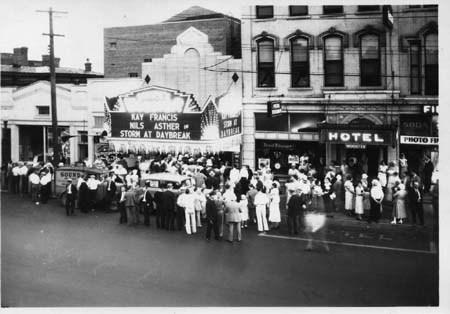 Schine's Wooster Theater, circa 1933.