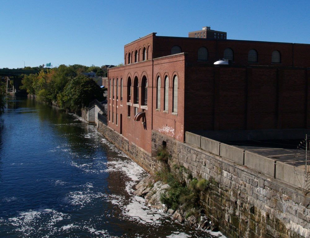 Established in 1893, this plant harnessed moving water to power factories from the Industrial Revolution until the age of hydroelectric power. Electricity was last generated at the Bridge Mill plant in the 1960s.