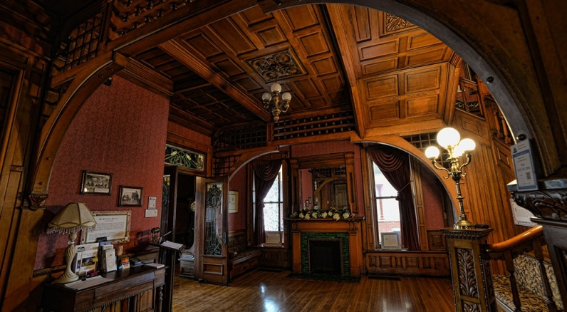 Photograph of the interior of the Seiberling Mansion.