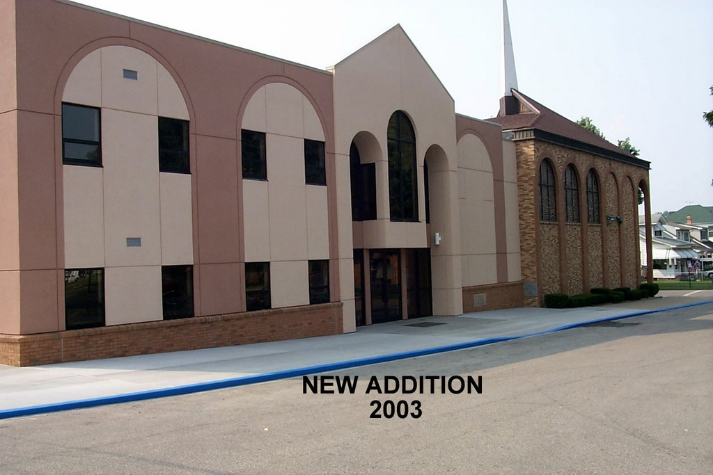 In 2003 the 1921 sanctuary was demolished and replaced with a new educational wing.