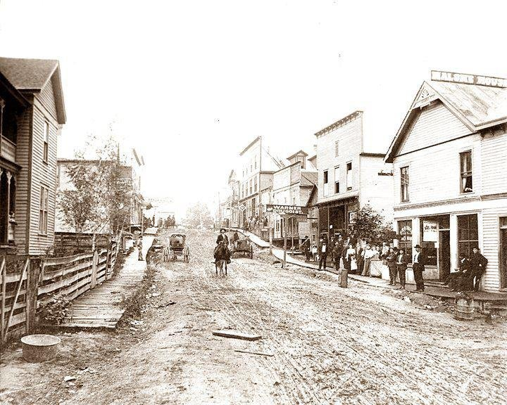 Main St, pre-fire of 1910.