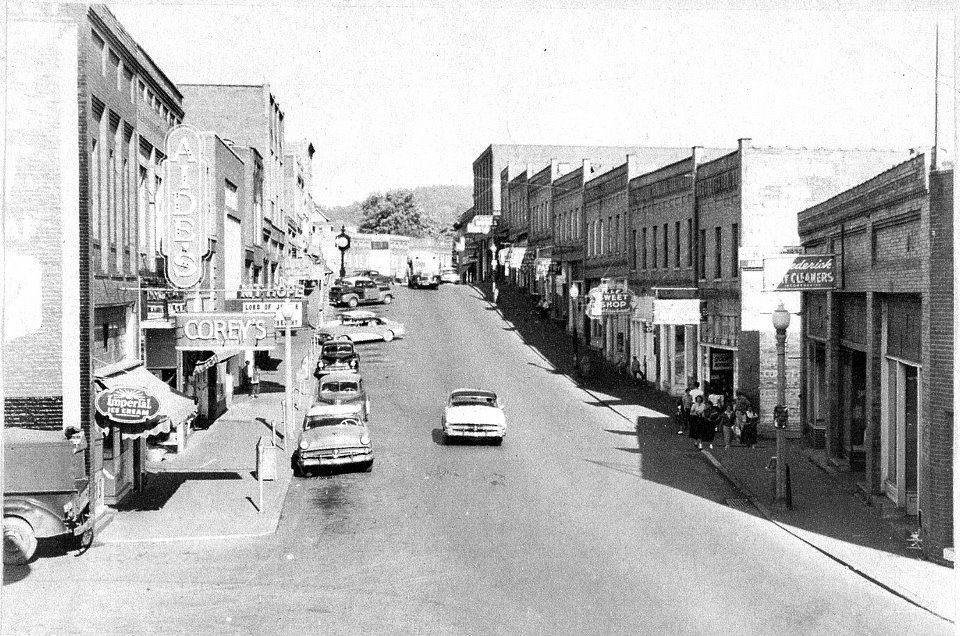 Main St., Circa. 1940-1950.