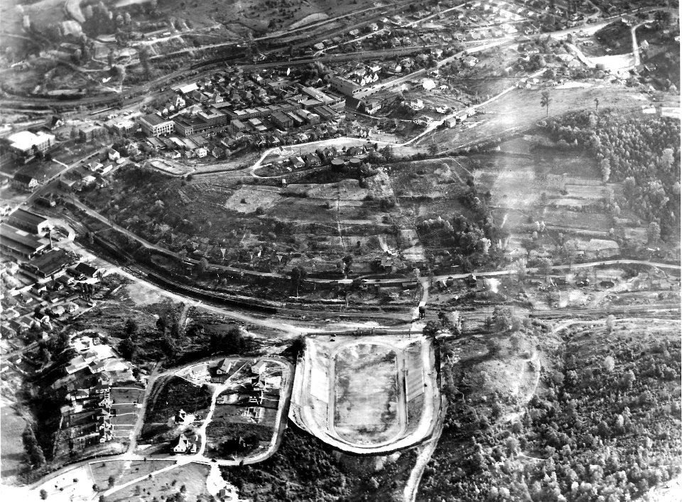 Arial Image from 1930s.  Municipal stadium can be viewed in bottom of image.