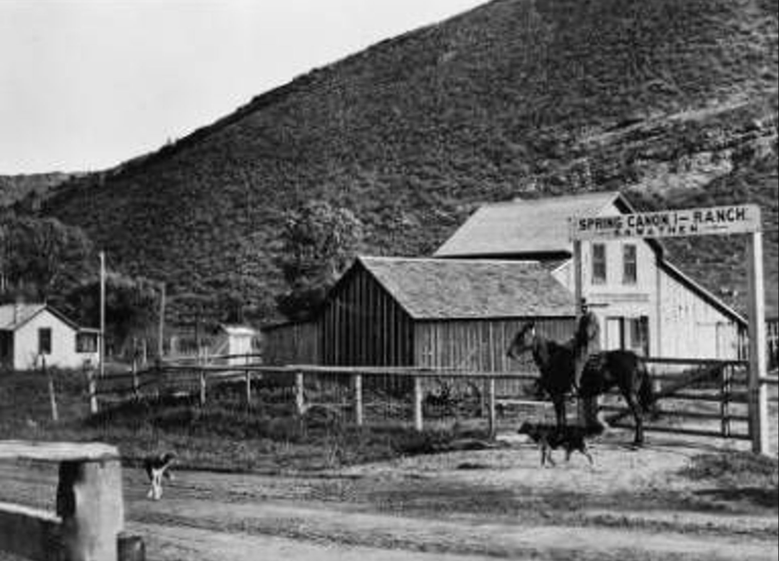 Ranch and housing (Courtesy of Denver Public Library)