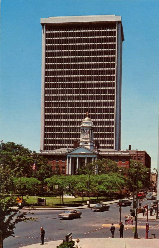Hartford Bank and Trust Building, 1960s. The historic Old State House is located in the foreground.