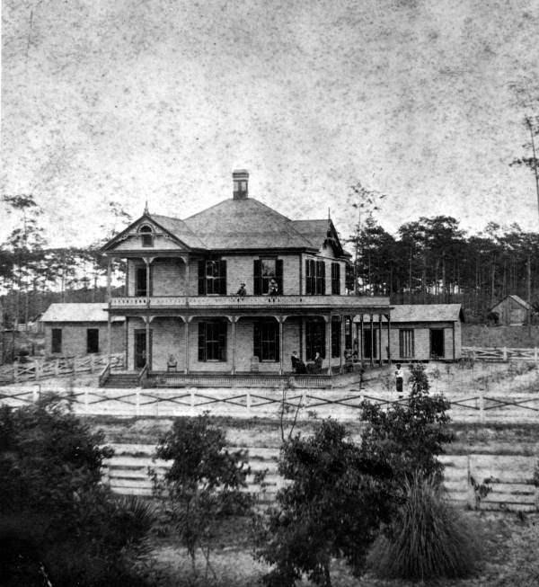 Richard Tucker first residence, destroyed by fire 1908