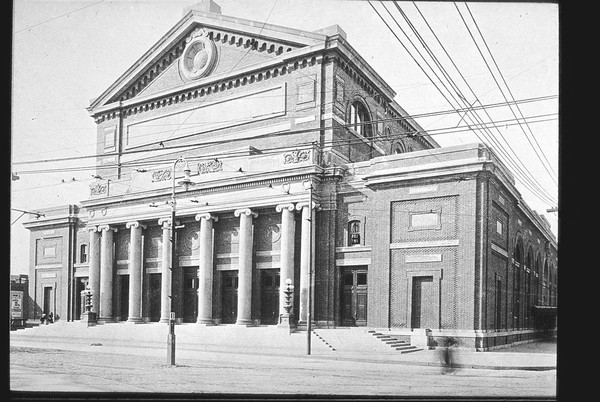 Boston Symphony owes much of its architectural influence to the Second Gewandhaus in Leipzig, Germany. Courtesy of the Frances L Loeb Library, at the Harvard University Graduate School of Design 1984 Digital Images collection.