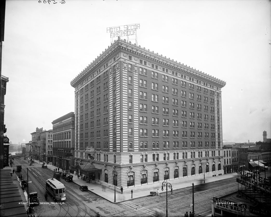 The Hotel Secor in the 1900s.