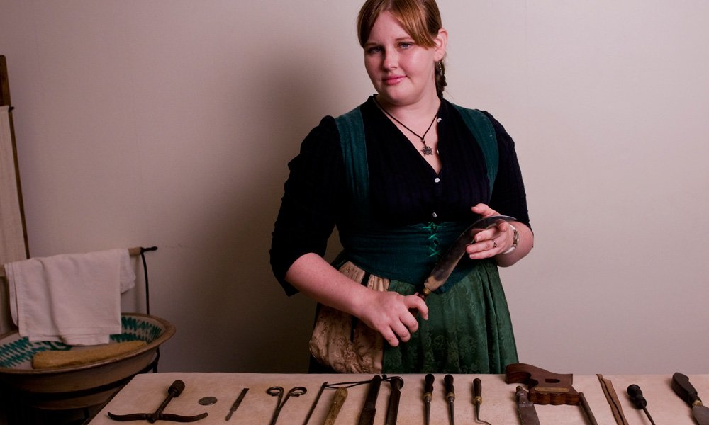 The Museum has a comprehensive collection of antique surgical instruments. Credit: Spanish Military Hospital Museum