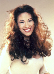 This is a picture of Selena in 1995.