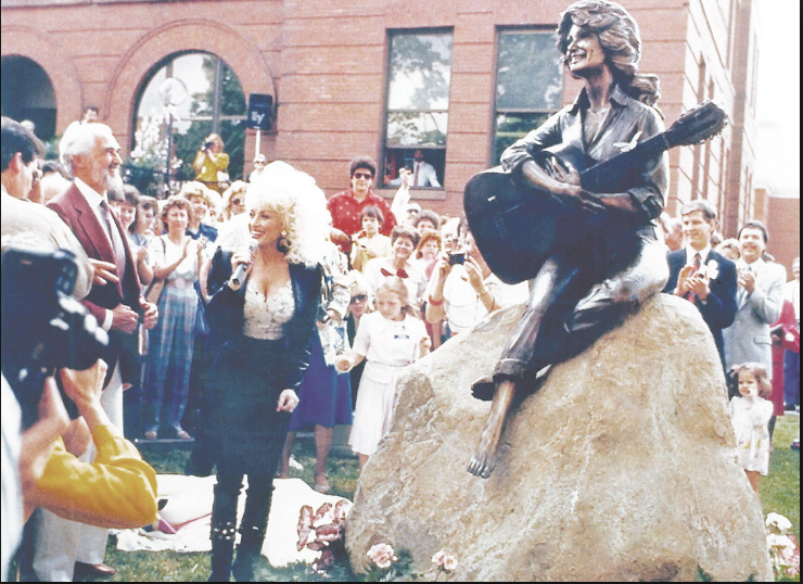 Dolly Parton at the dedication of her statue