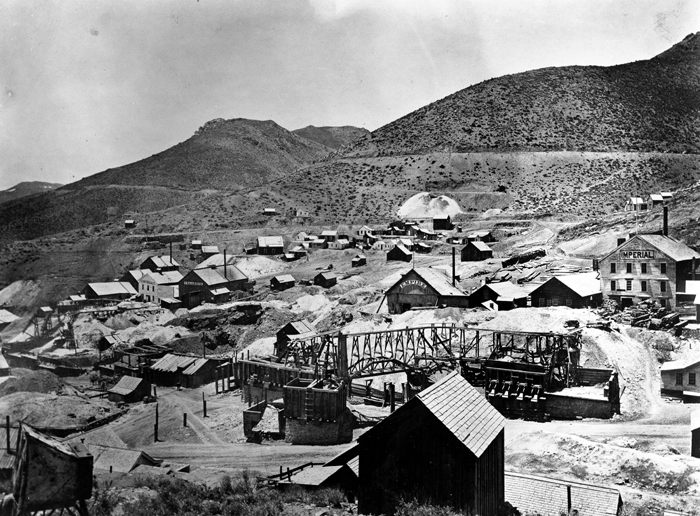 Photo of what the mines looked like and how the city began to form surrounding it.