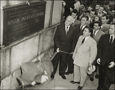 Boston University President Daniel Marsh and State Senator John E. Powers unveiling the commemorative plaque