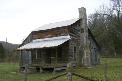 This is the oldest building in the Buffalo National River. It was built by the Parker brothers around the 1840s. It is one of several historic structures on the farm.