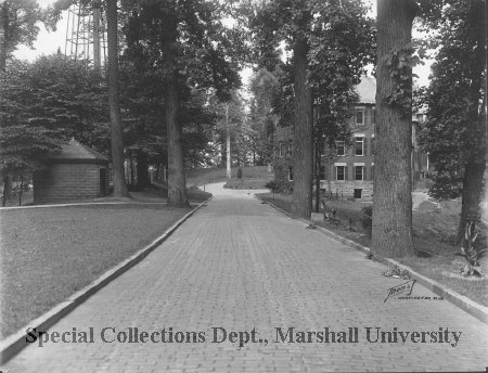 Driveway of the hospital, 1916