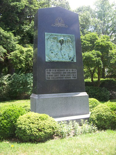 Memorial to all of the victims of the fire located in the Lakeview Cemetery.