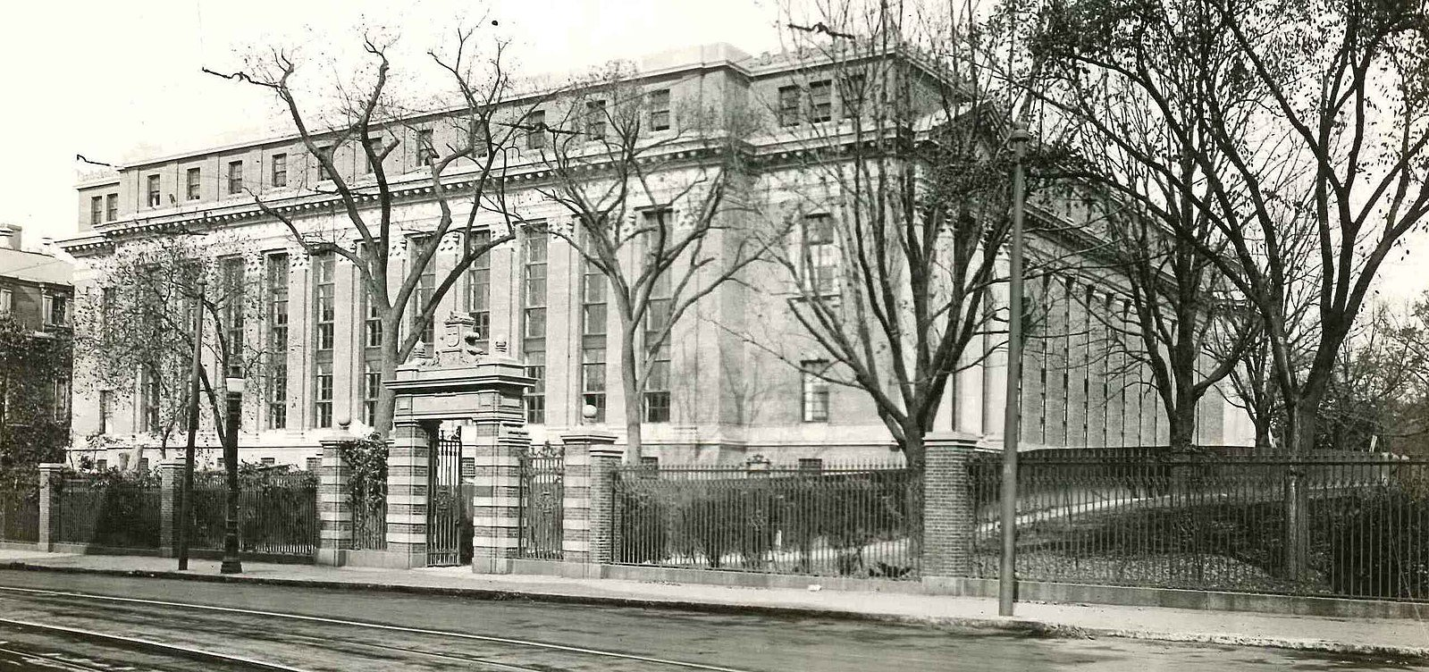 Widener after construction finished in 1915.