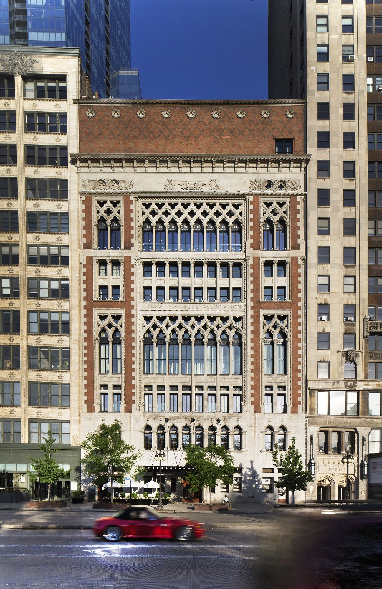 Chicago Athletic Association Hotel facade