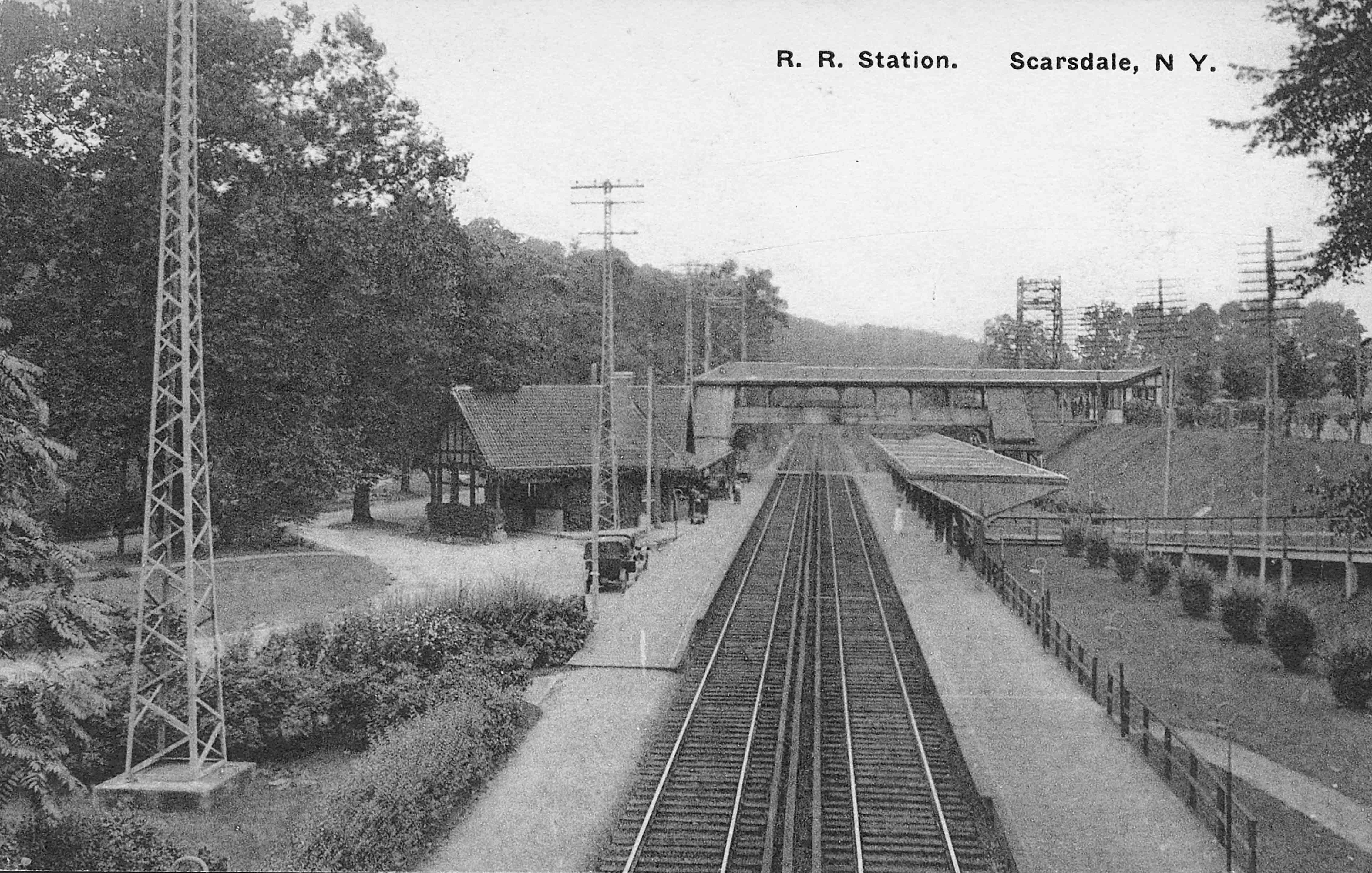 An early-20th century postcard of the Scarsdale Railroad Station.