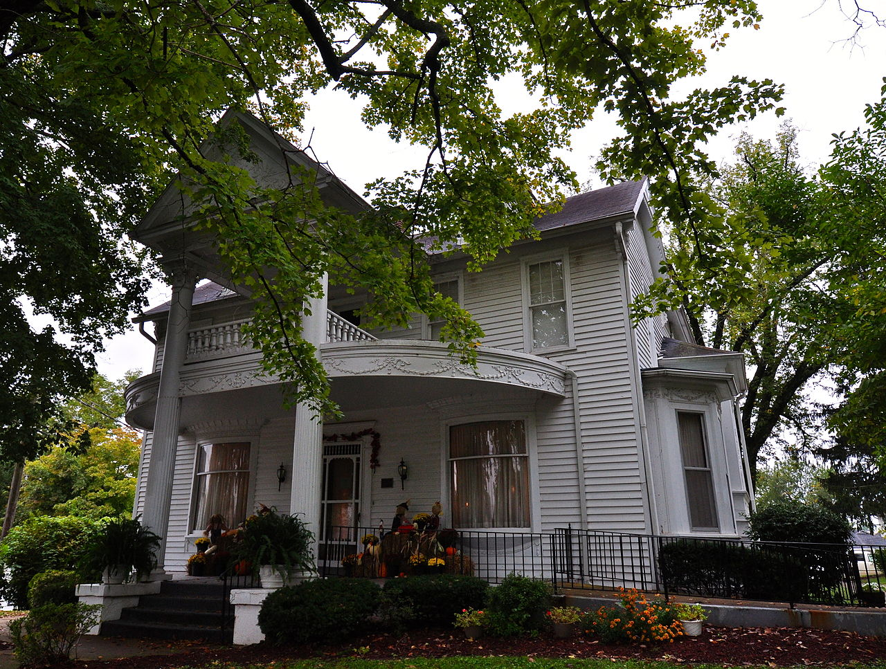 The Margaret Harwell Art Museum opened in 1979 in this historic home.