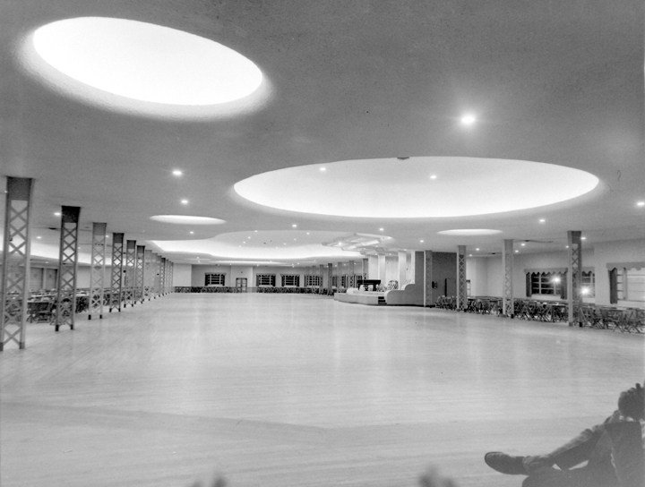The Grand Ballroom was remodeled in the 1950s to include a dropped ceiling and indirect lighting.
