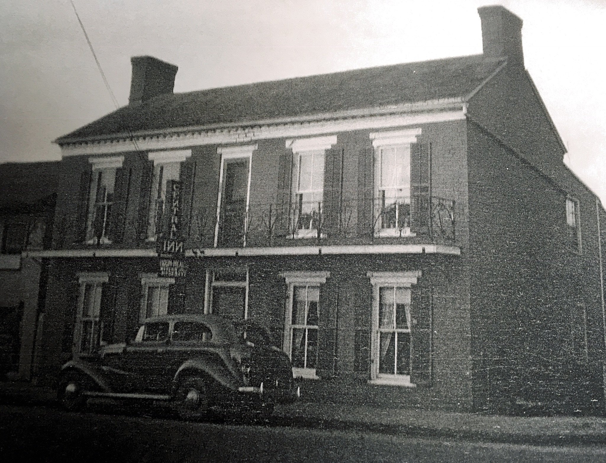 Central Inn showing the metal balcony. Photo courtesy of Greenbrier Historical Society.