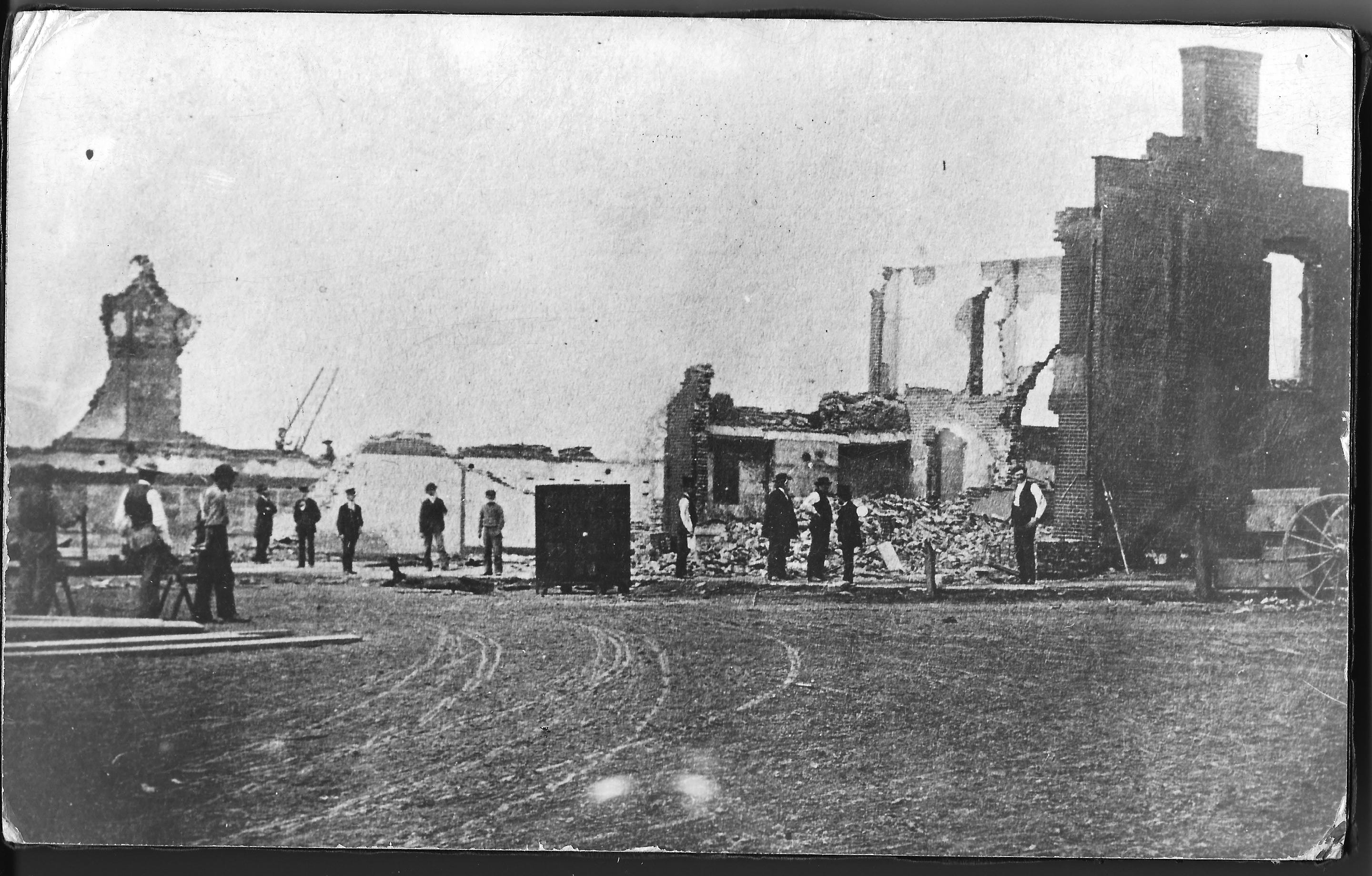 What remained following the Great Medina Fire of 1870