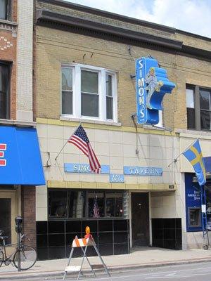 Simon's Tavern facade.