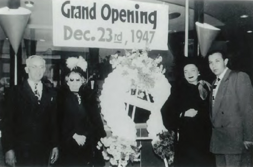 This is a picture of the Grand Opening of Mel's Drive In in December 1947