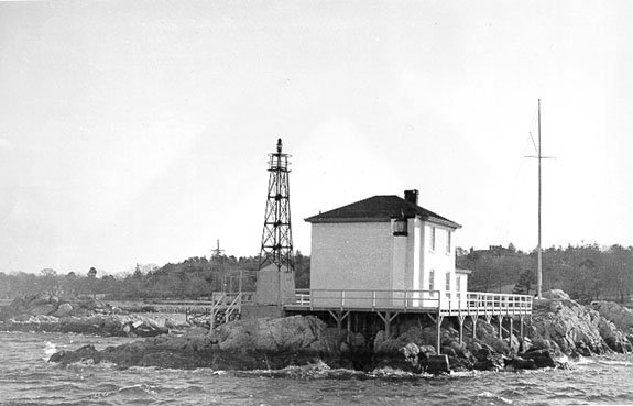 Fig 1. Ida Lewis (Lime Rock) Lighthouse