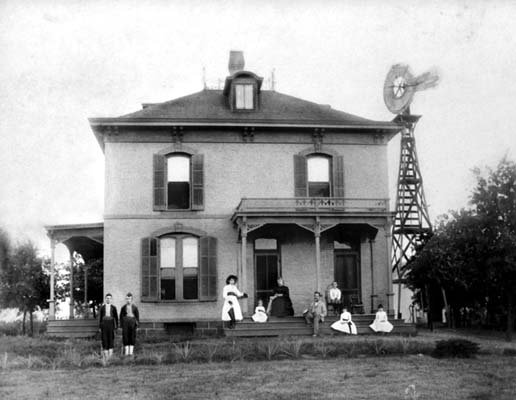 The Vinita Home was where Munson built his extensive collection of grape samples. He would invite friends to come to his home and taste wines and grape juices he made himself.