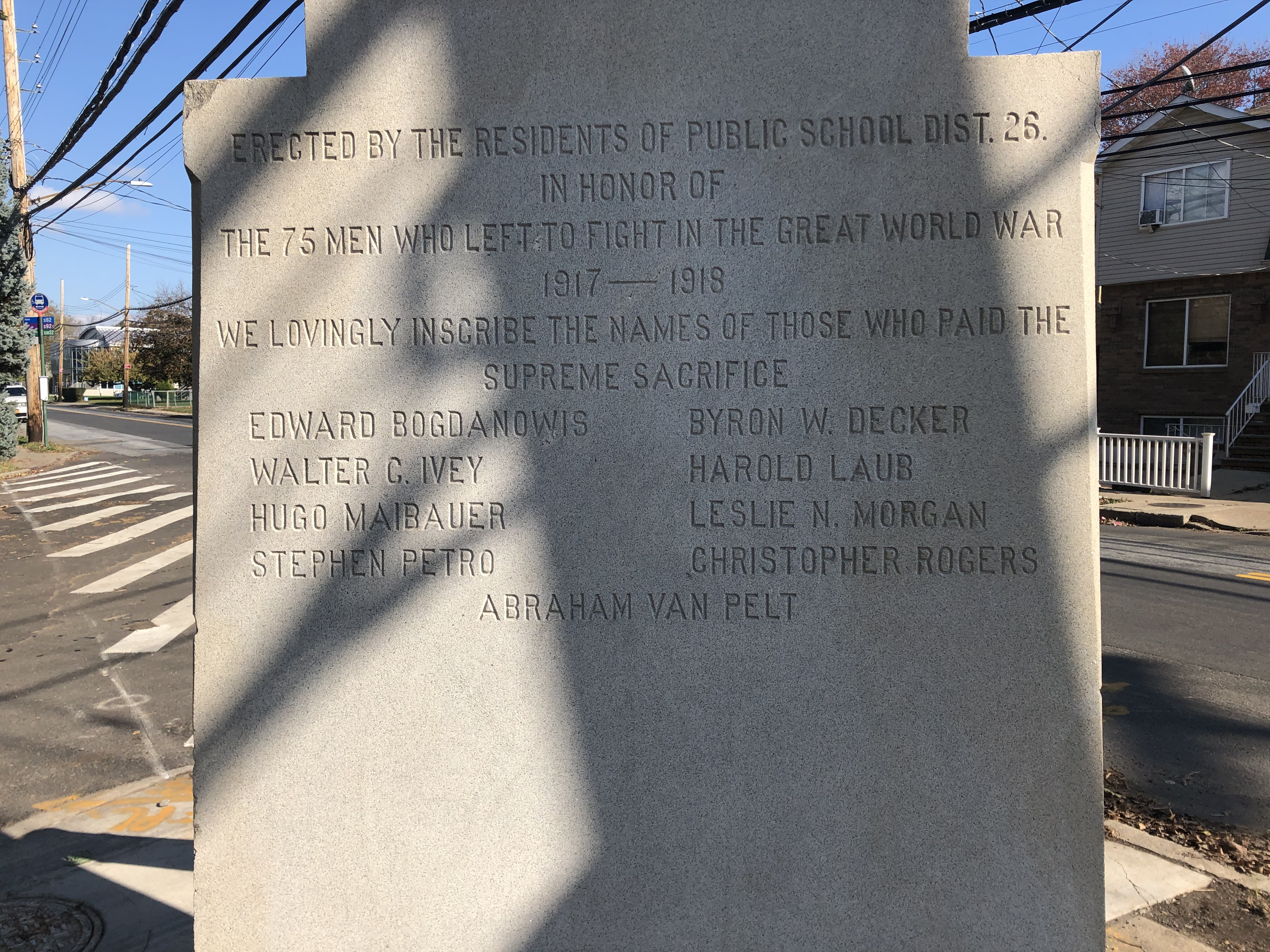 Description on the back of the memorial