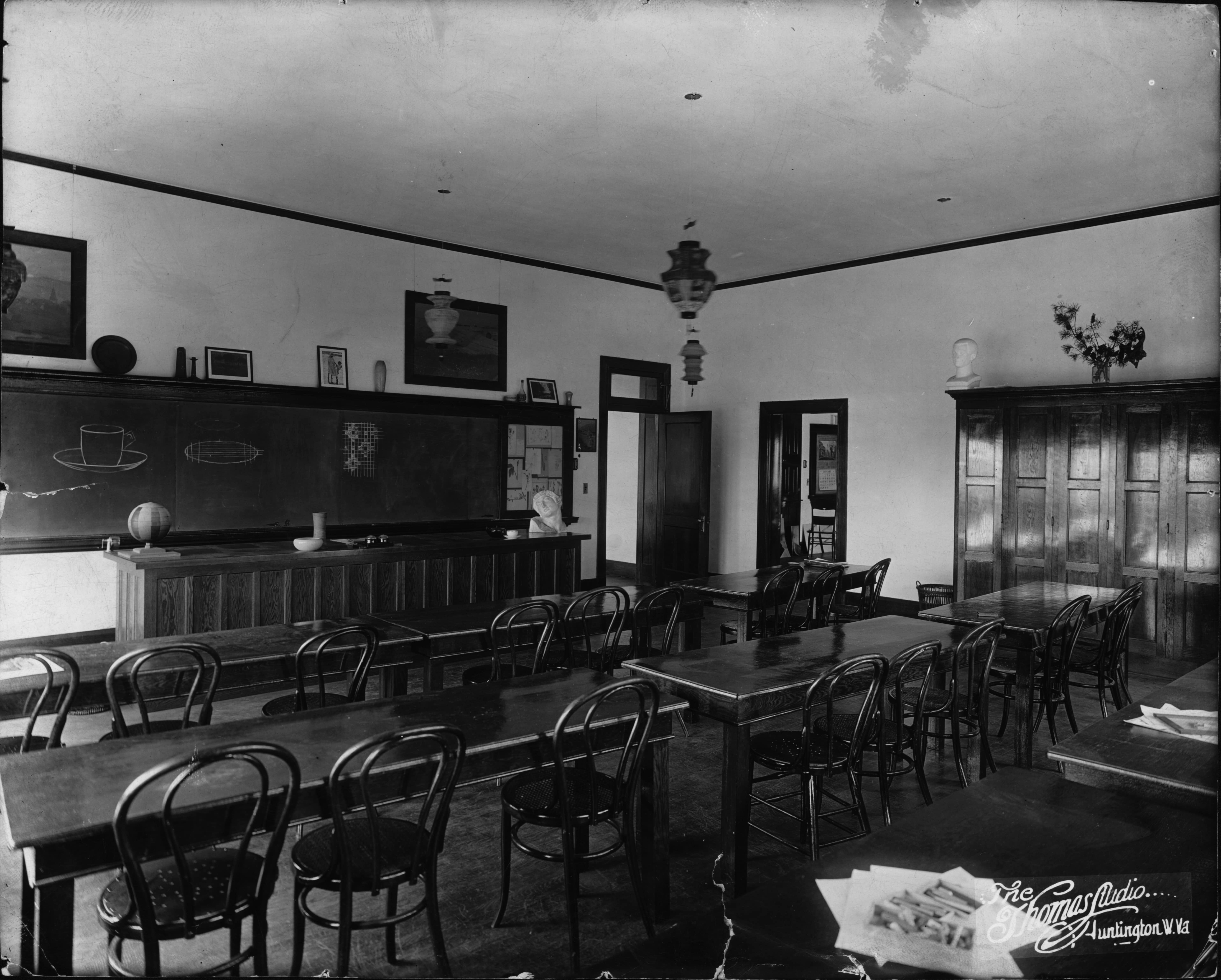 Old Main once housed all of Marshall's classrooms, such as this art room in 1907.