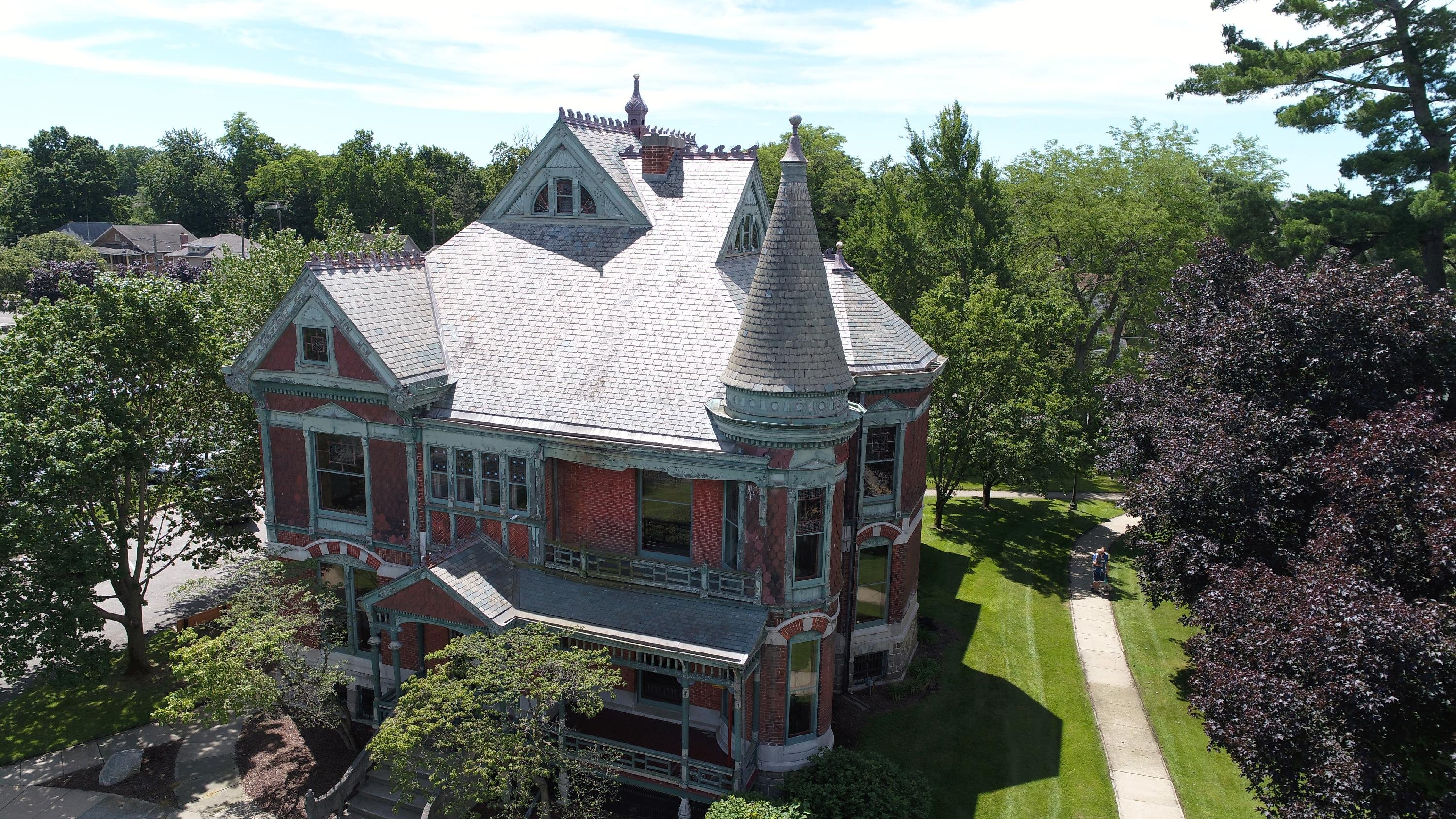 The Chapin House is a great example of Queen Anne architecture. Guided tours inside are offered on Fridays and Saturdays at 1pm.